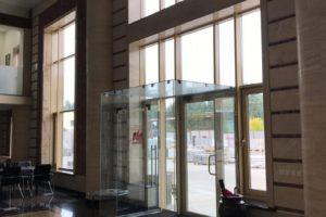 Остекление фасада офисного здания