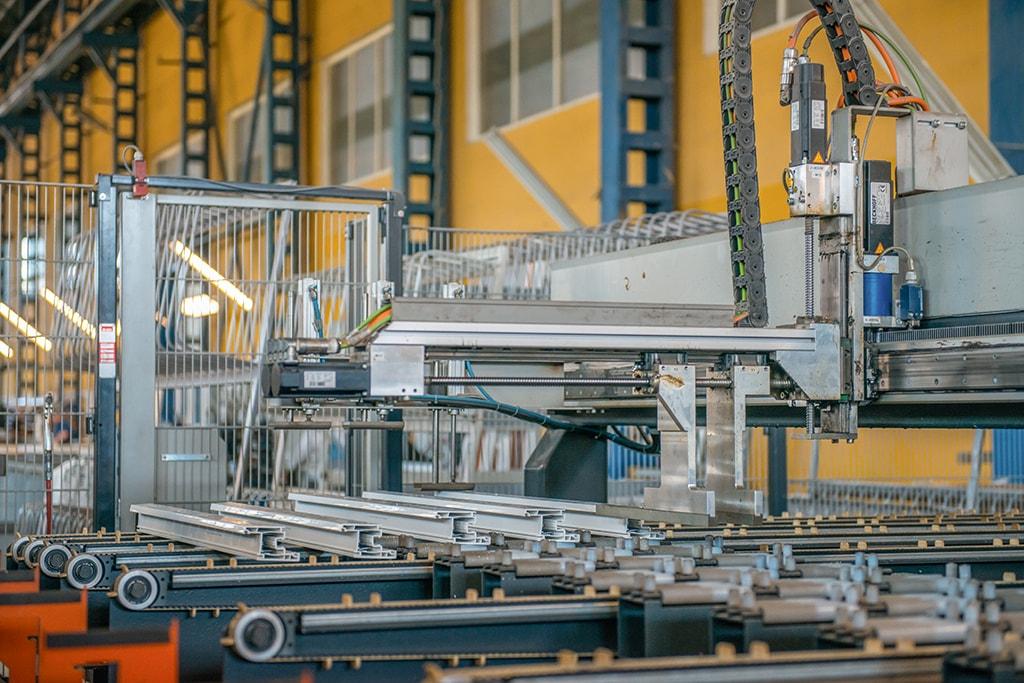 Автоматическая линия по изготовлению пластиковых окон REHAU